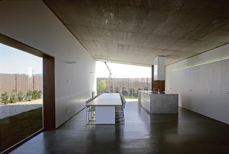 9_Interior2